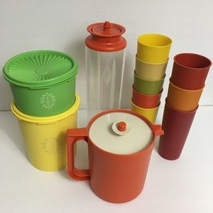 Vintage Tupperware lot 12 Pc Assorted colors